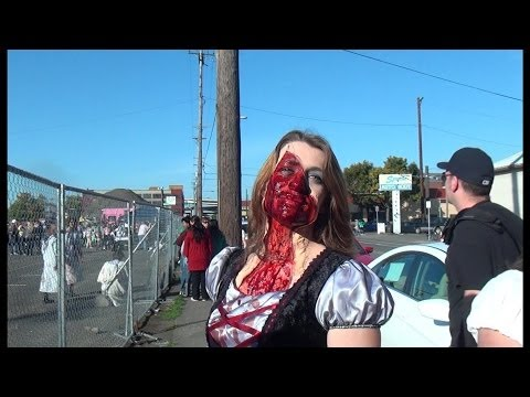 2013 3D Portland Zombie Walk - Zombies Walking!