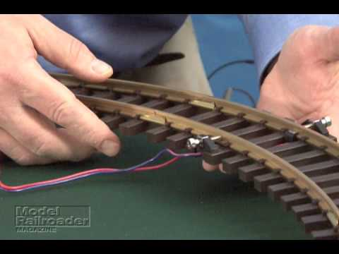 Model Railroader Magazine Piko G Scale Train Set Review