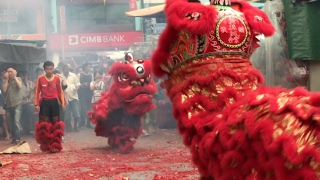 KL's Chinatown Comes Alive With Chap Goh Mei Lion Dance ( 4 )