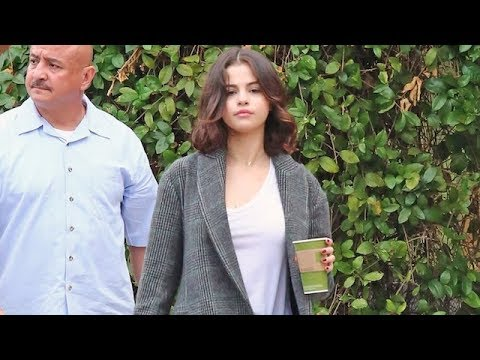Selena Gomez Stops For Lunch After Rekindling Romance With Justin Bieber
