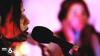 Unloved - When A Woman Is Around (6 Music Live Room)