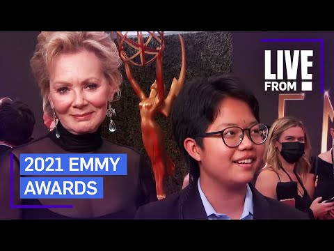 """Jean Smart Says Being Honored """"Never Gets Old"""" at Emmys   E! Red Carpet & Award Shows"""