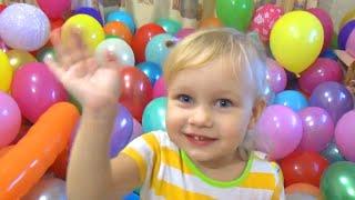 Цветные шарики лопать и играть шариками
