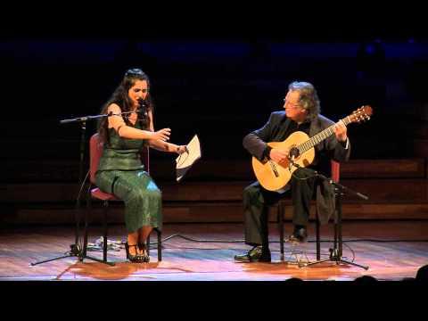 Any Espriu - Actuació de Sílvia Pérez Cruz i Toti Soler a l'acte inaugural.