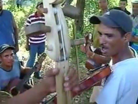 Musica de cuerda en Honduras (Currunchunchun)