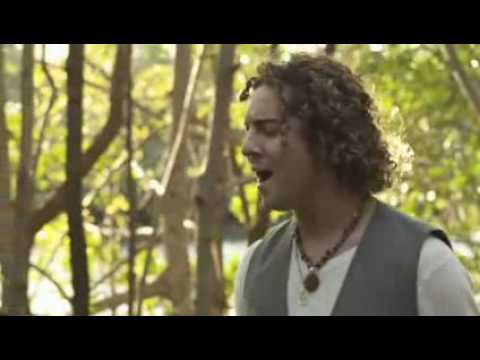 Baixar Miley Cyrus y David Bisbal  When I look at you (videoclip junto a David Bisbal)