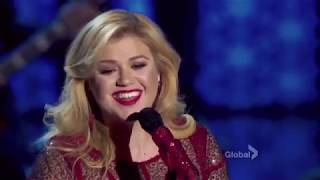 Kelly Clarkson's Cautionary Christmas Music Tale HD