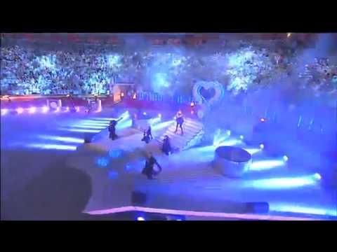 Jennifer Lopez - ven a bailar LIVE Ft Pitbull.mp4