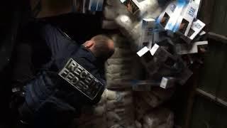 Receita Federal apreende 150 mil maços de cigarros paraguaios, na Freeway