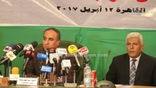 عبد المحسن سلامة يستعرض توصيات مؤتمر النقابات المهنية لمساندة ...