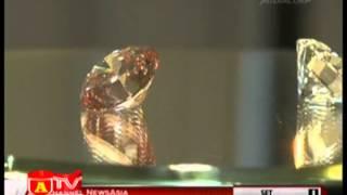 Viên kim cương hồng Martian Pink được bán với mức giá kỉ lục