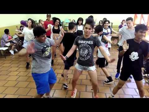 Kpop Random Play Dance in Brazil - EAR (18/10/15)