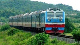Classic trains in Vietnam  ĐOÀN TÀU LỬA BẮC NAM TRÊN ĐƯỜNG TRỞ VỀ