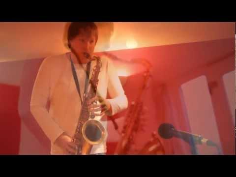 Riley Stone-Lonergan plays Body & Soul (Solo Saxophone / Jazz Standard)