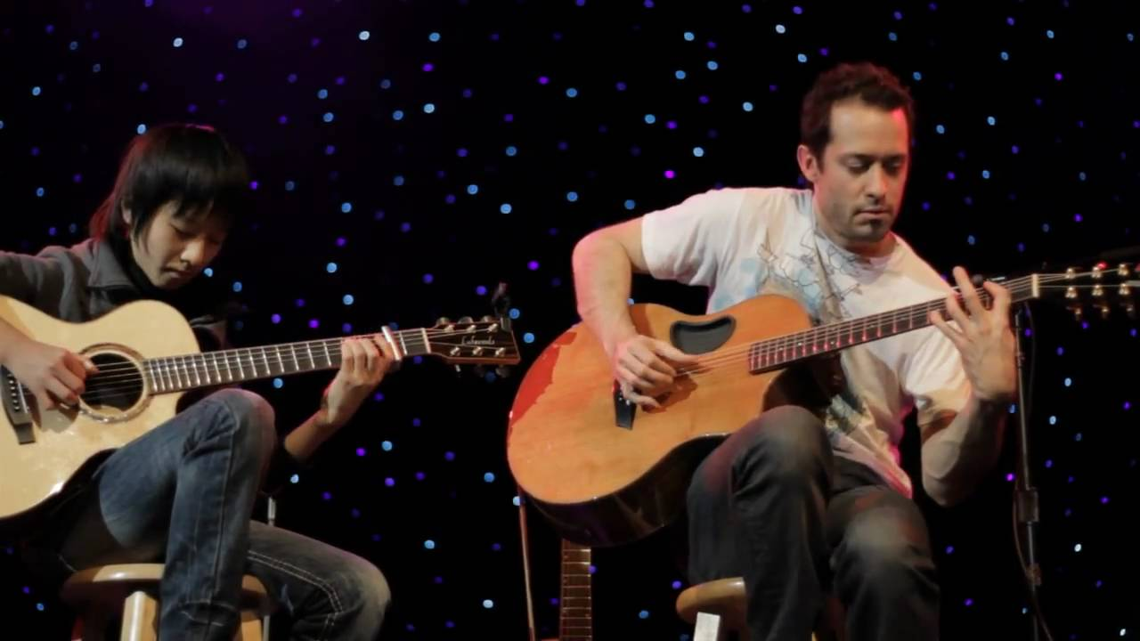 Trace Bundy & Sungha Jung - Billie Jean on acoustic guitar ...