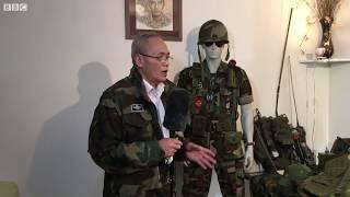 Cựu sỹ quan dù và bộ sưu tập thời chiến