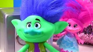 Trolls Movie Poppy Branch Dig It for Gold and Diamonds!