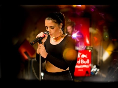 Jessie Ware - Wildest Moments (Live at Red Bull Studio)