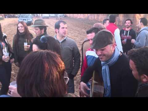 Candelarias gente de Gines, cantando sevillanas