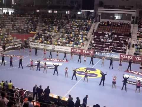 TROPICAL SON DANZA KUDURO 2 Actuación en el Quijote Arena - Balonmano Ciudad Real
