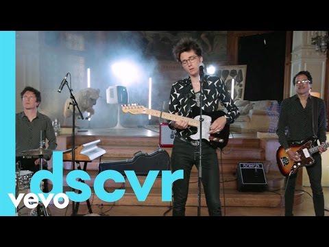 Radio Elvis - Au loin les pyramides - Vevo dscvr France (Live)