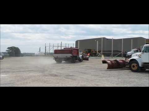 2001 International 4700 dump truck for sale | no-reserve Internet auction September 13, 2016