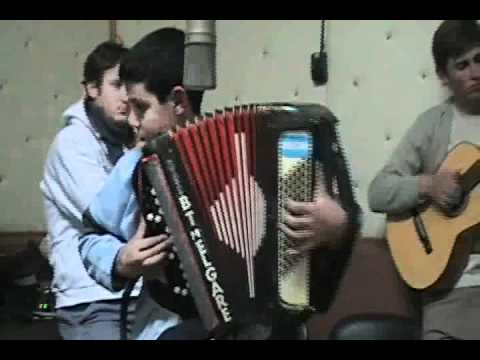 Braian Melgares interpretando El Tigre de los arenales,en lt11.net.