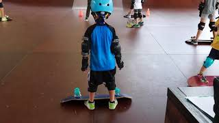 6 year old learns to skateboard (2018-8-18) -2