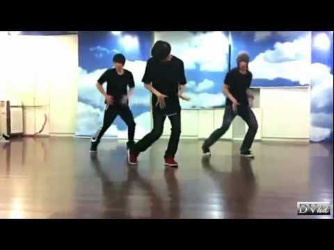 EXO-M - Lay, Xiumin & Greg S. Hwang (dance practice) DVhd