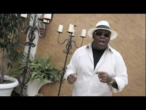 Amiga Mia - Michel El Buenon (Video Oficial)