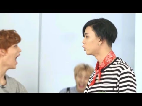 Johnny and Taeil(nct) acting (funny moment)