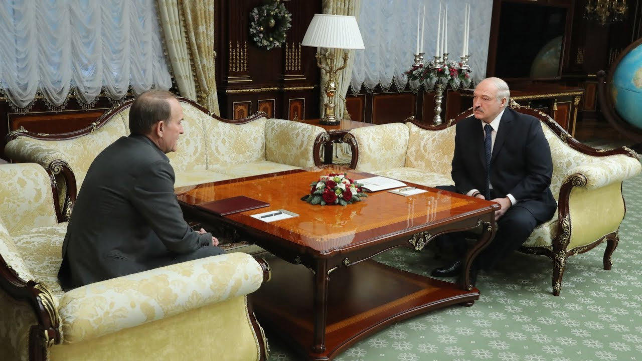 Лукашенко призвал «заканчивать это недоразумение» на Украине