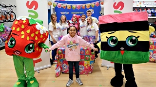 Shopkins Season 7 Party At Toys R Us - Meet And Greet - Surprise Toys For Fans | Toys AndMe