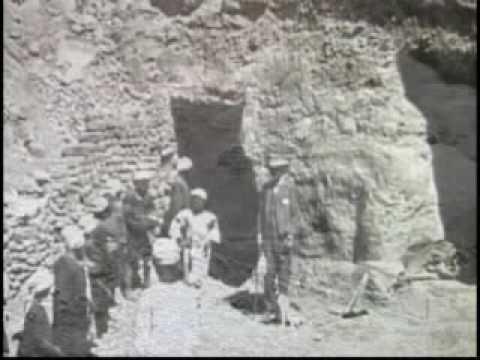 12.02.1924 г. – Открита е гробницата на Тутанкамон.