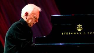 Janusz Olejniczak plays Chopin Piano Concerto No 2 in F minor op.21