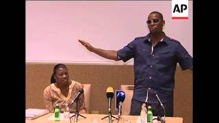 R&B singer R. Kelly arrives in Johannesburg ahead of his first Africa tour