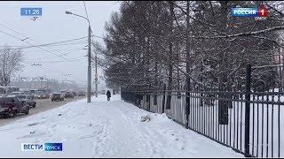 Омск вновь засыпало снегом