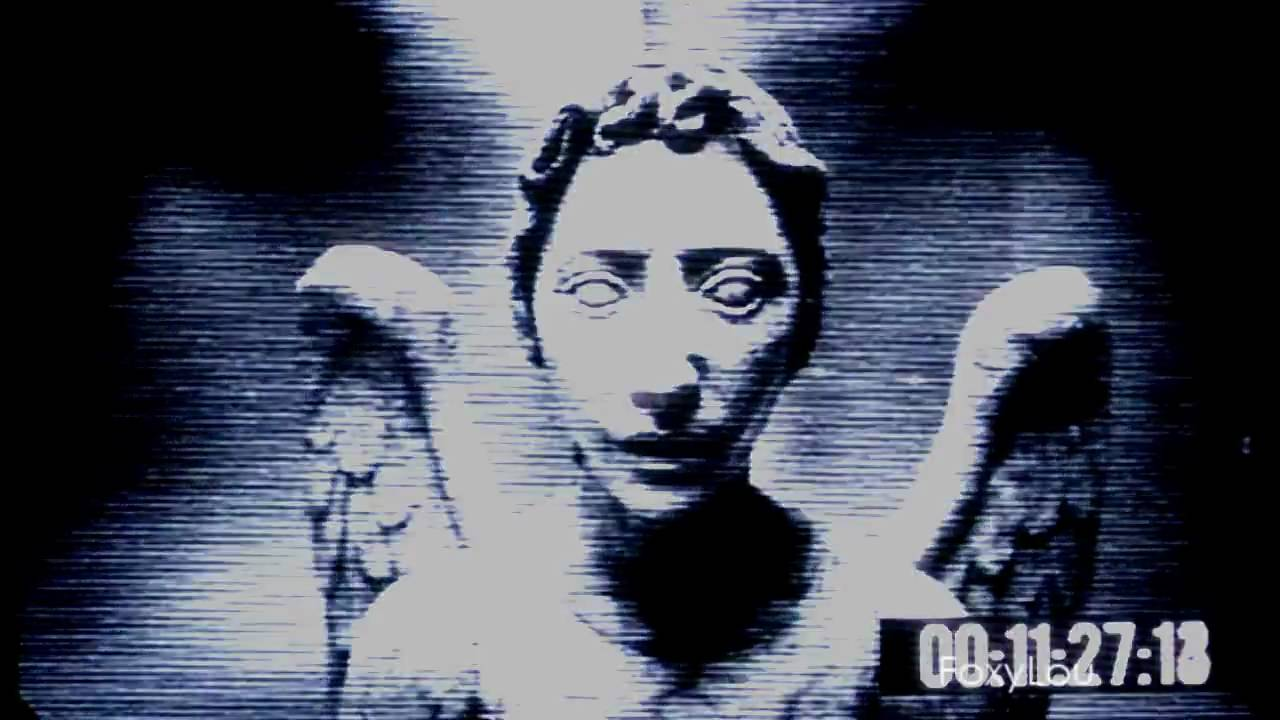 """Doctor Who - The Weeping Angels """"They're coming after us ..."""