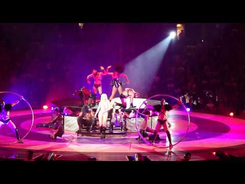 Britney Spears - Circus (LIVE in LOS ANGELES)