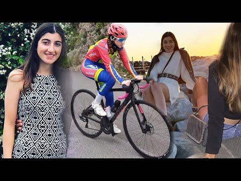 "Giada Manfredi a ""cicliste in streaming"""