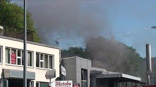 NRWspot.de | Lüdenscheid – 6000-Liter-Ölbad brennt in Härterei