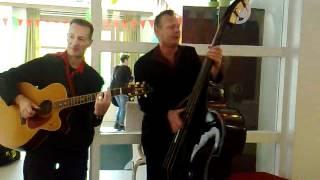 Bekijk video 1 van Leuk Duo op YouTube