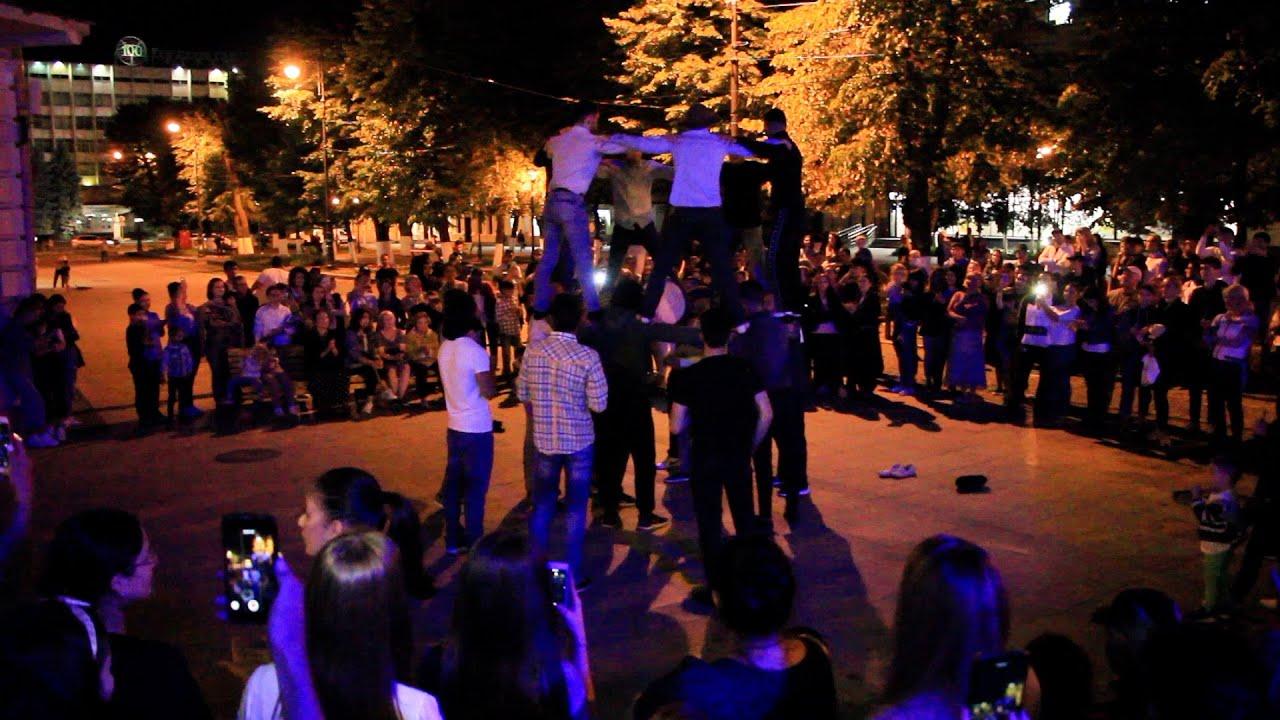 Владикавказ: осетинские танцы во время пандемии