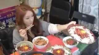 9000 دولار راتبا شهريا لفتاة كورية وظيفتها الأكل
