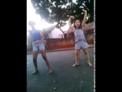 Baixar minha irmazinha dançando a musica da Mc Anitta-show das poderosas kkkkkkkkkkkkkkkkkk