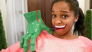 CREEPY HAND ATTACKS Bad Baby Shiloh and Shasha - Onyx Kids