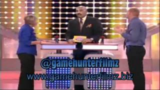 White guy wants  to pass the weed on Family Fued hosted by Steve Harvey
