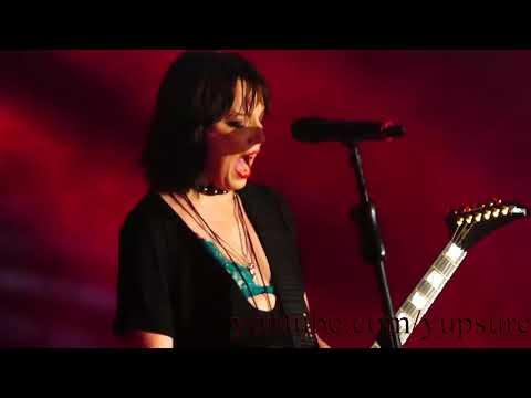 Halestorm - Uncomfortable (New Song)- Live HD (Santander Arena)