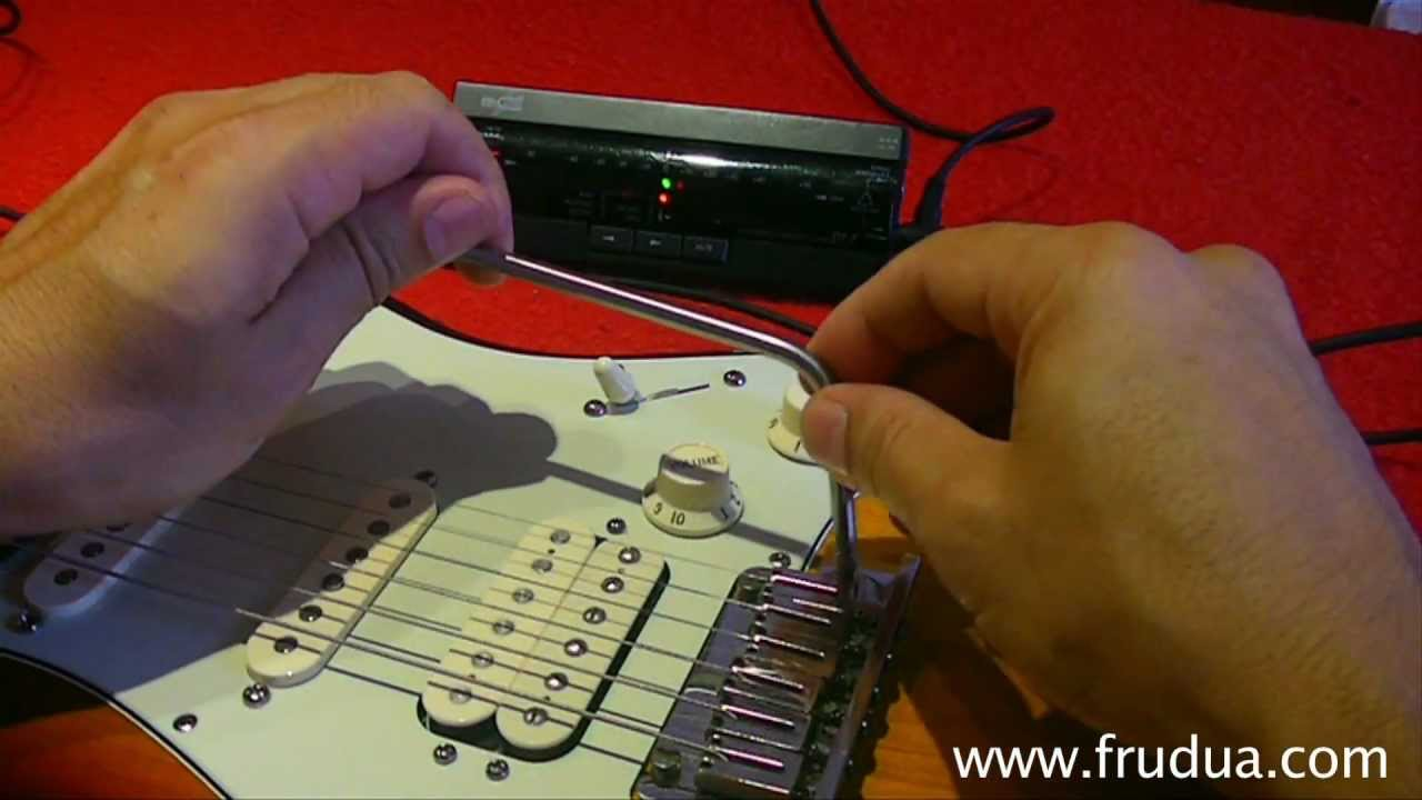 how to set up a strat floating tremolo two pivots tremolo whammy bar youtube. Black Bedroom Furniture Sets. Home Design Ideas