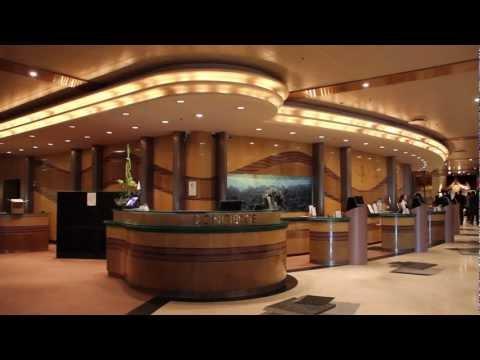 Stor hotel lobby får nyt LED-lys